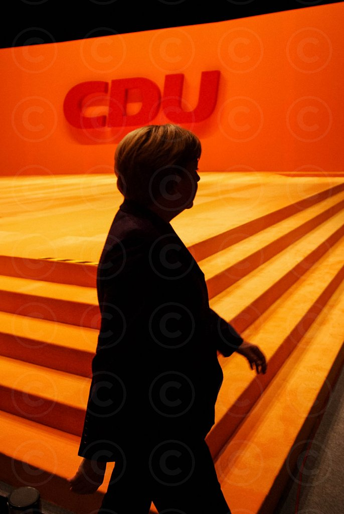 German Chancellor Merkel (CDU) arrives at a party convention / @ Hannover